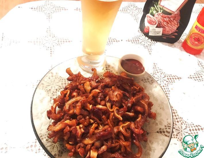 Рецепт: Копчёные ушки с соусом барбекю