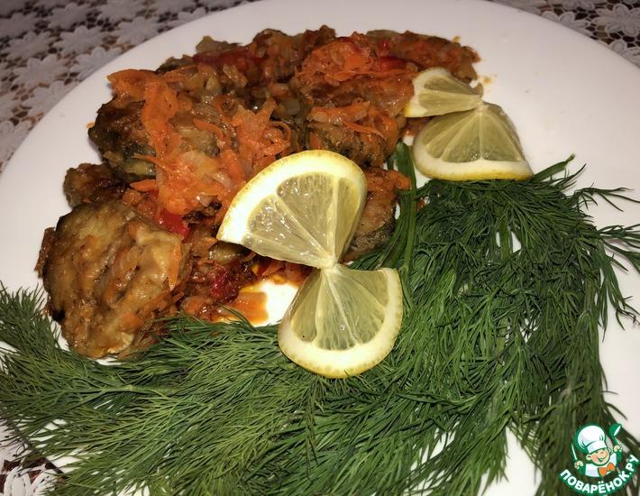 Рецепт: Минтай под овощным соусом