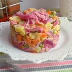 Овощной салат с красным луком