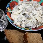 Салат из соленых огурцов и лука