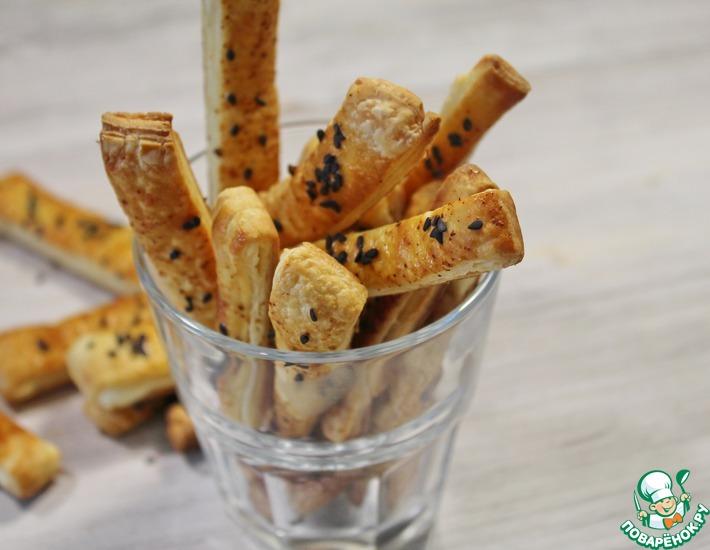 Рецепт: Палочки из слоеного теста с сыром
