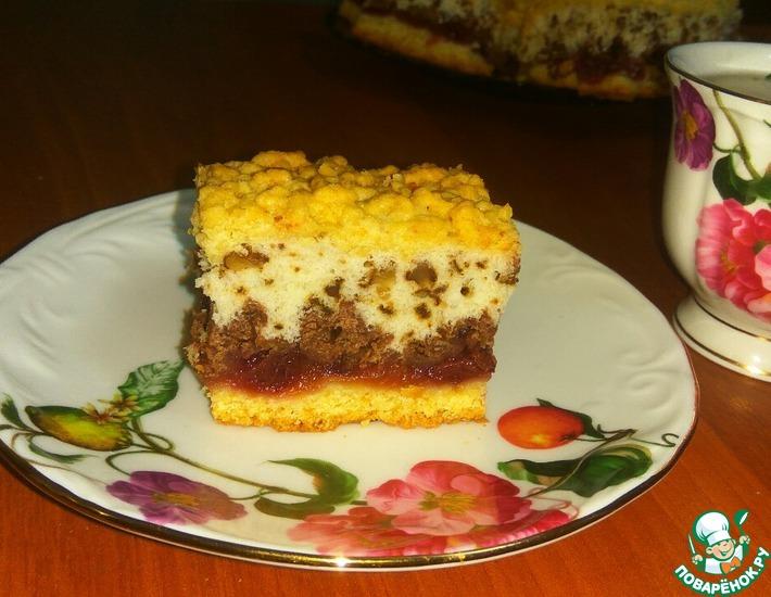 Рецепт: Пляцок с вишневым и ореховым слоем