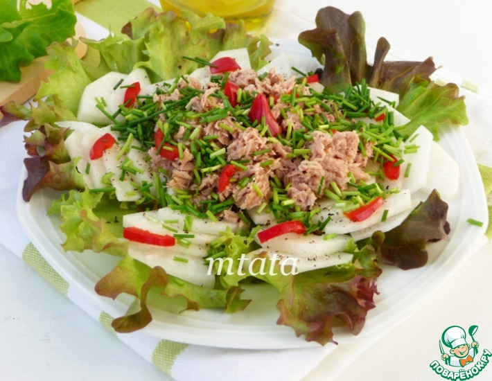 Рецепт: Салат из дайкона с тунцом