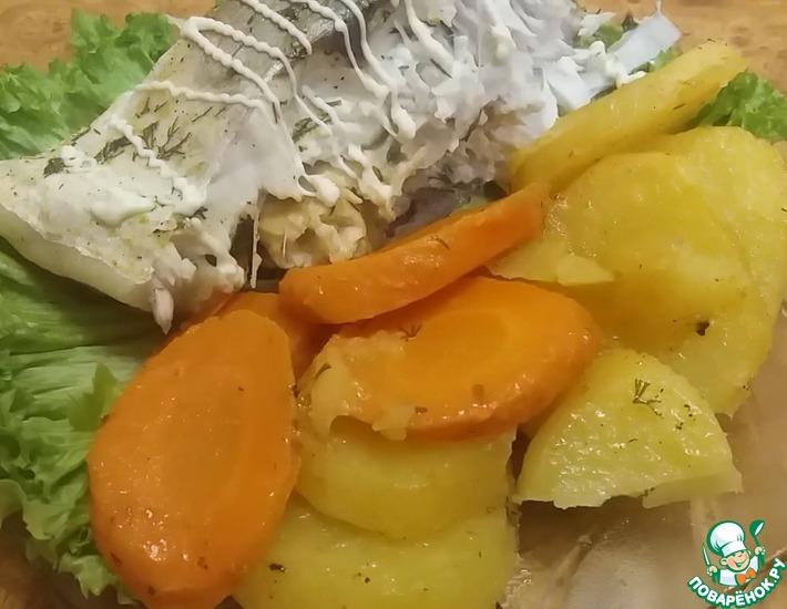 Рецепт: Запеченный в духовке толстолобик с овощами
