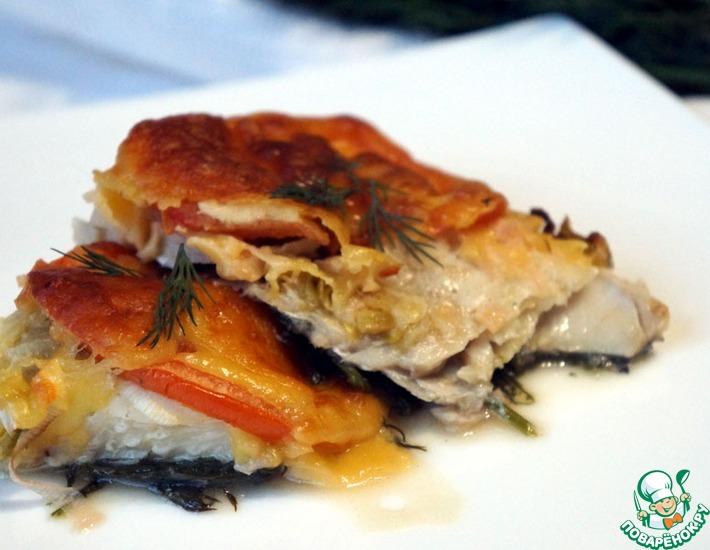 Рецепт: Пикша с помидорами и сыром