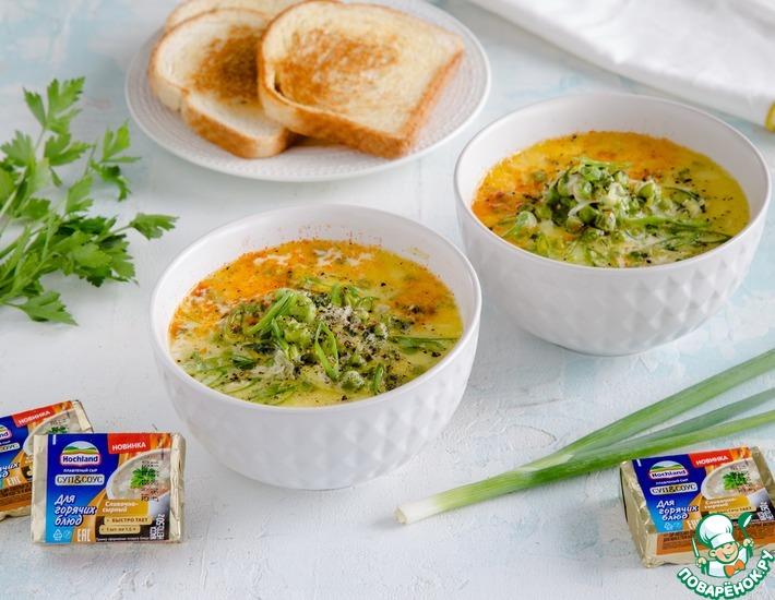Рецепт: Сырный суп с зеленым горошком и травами