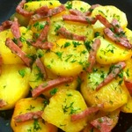 Сливочный картофель с копченой колбасой