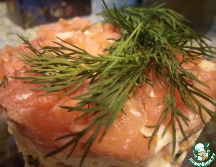 Рецепт: Салат Золотая рыбка с семгой