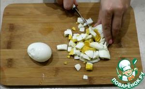 Салат с сайрой, яйцом и огурцом фото