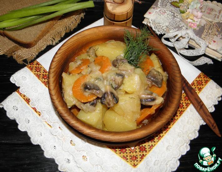 Рецепт: Грибы с картофелем в сметанном соусе
