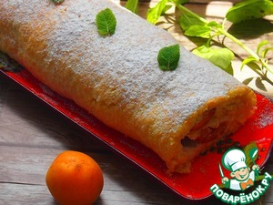 Finished roll sprinkle with powdered sugar. Put the roulade in the fridge for one hour. To decorate the roll on your own - cream or mint leaves.