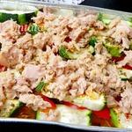 Теплый салат с цуккини и тунцом