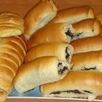 Сдобные пирожки с маком и абрикосами