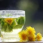 Летний освежающий напиток с хризантемой