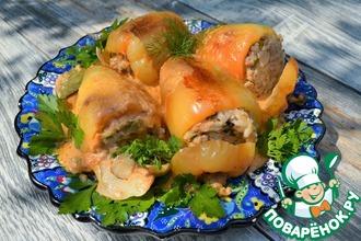 Рецепт: Фаршированные перцы в грибном соусе