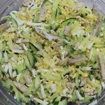Быстрый салат с жареной курицей