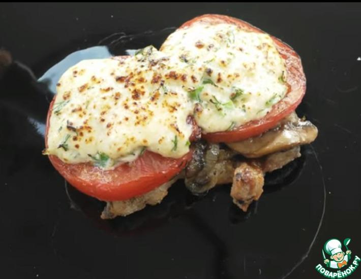 Рецепт: Отбивные с грибами, сыром на гриле