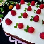 Шоколадный пирог с творожным кремом