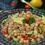 Салат с тунцом и лимоном