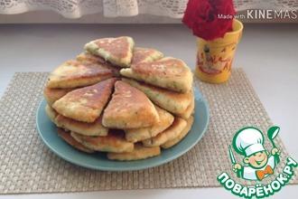 Рецепт: Сырно-творожные треугольники на завтрак
