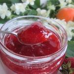 Варенье из ревеня, клубники и абрикосов