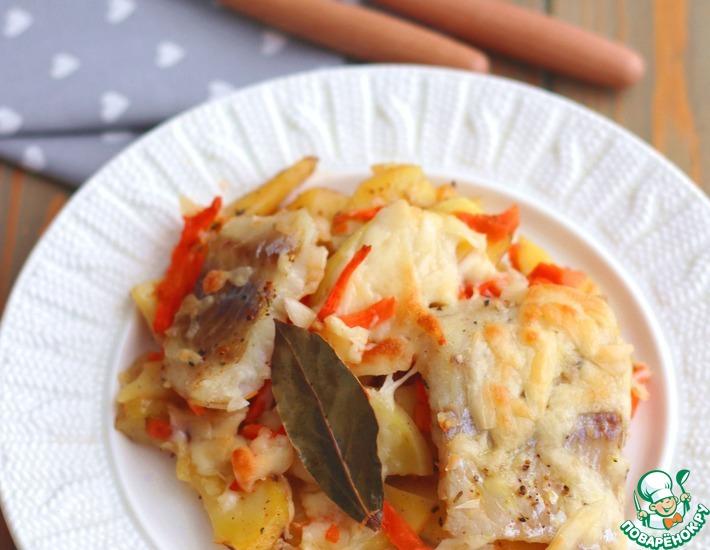Рецепт: Минтай, запеченный с пряным картофелем