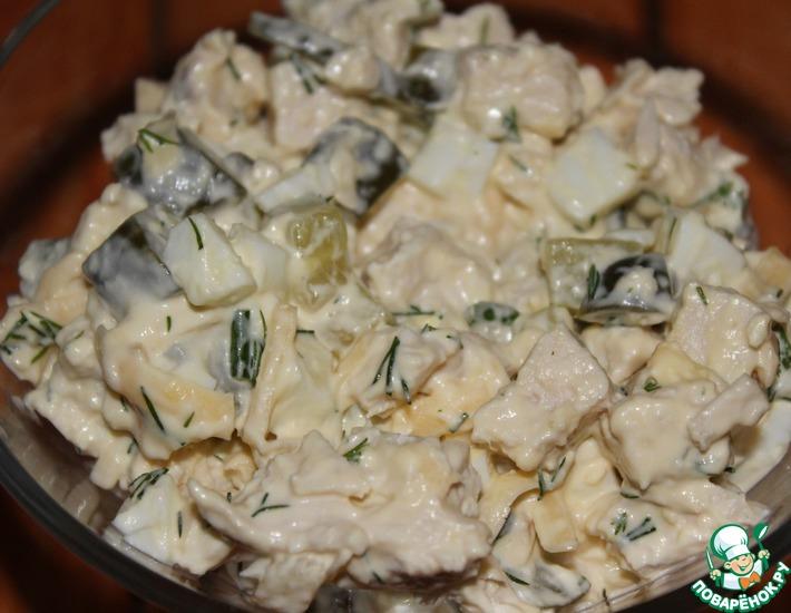 Рецепт: Салат с курицей и огурцами