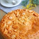 Пирог с сырком, луком и яйцом