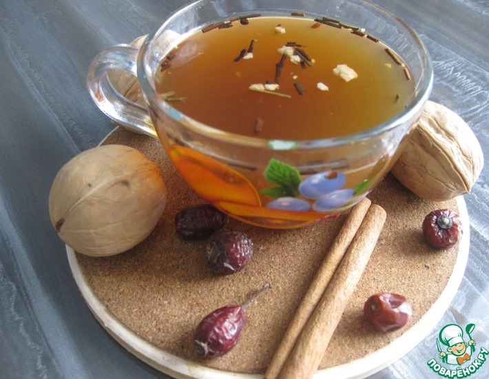 Рецепт: Чай с шиповником и грецким орехом
