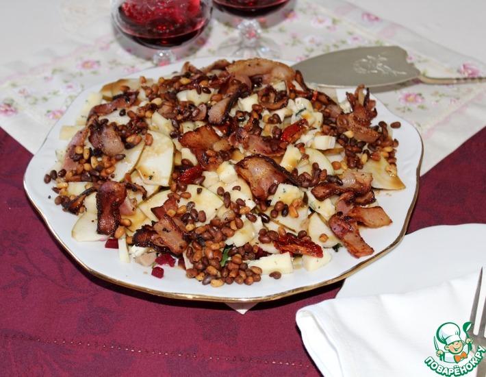Рецепт: Салат с грушей, курицей и сыром