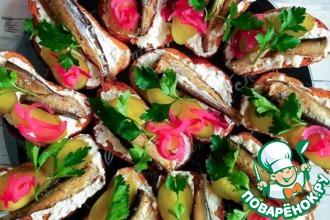 Рецепт: Праздничные бутерброды со шпротами