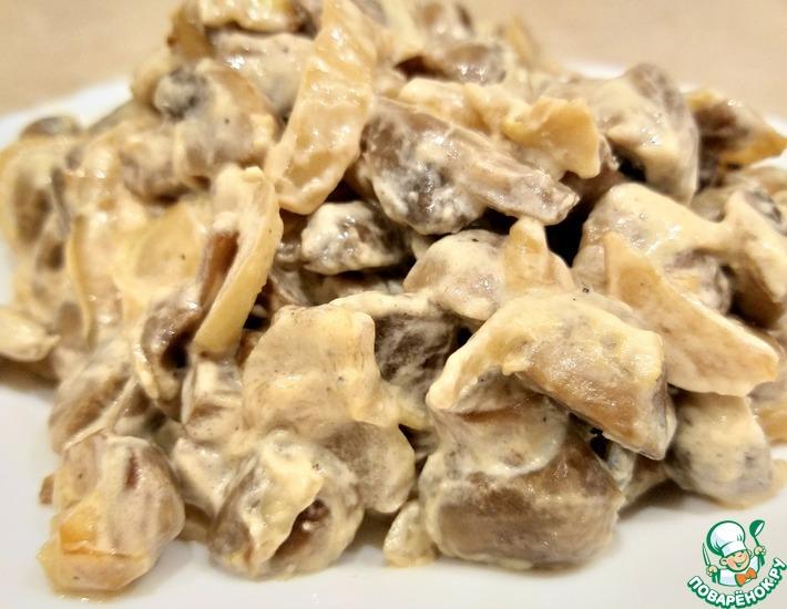 Рецепт: Жареные шампиньоны со сметаной
