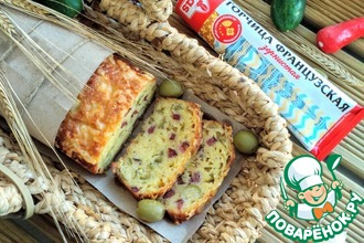 Рецепт: Закусочный кекс с колбасками и оливками