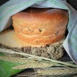Хлеб на виноградном соке с зеленью