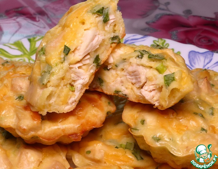 Рецепт: Маффины с куриной грудкой и сыром