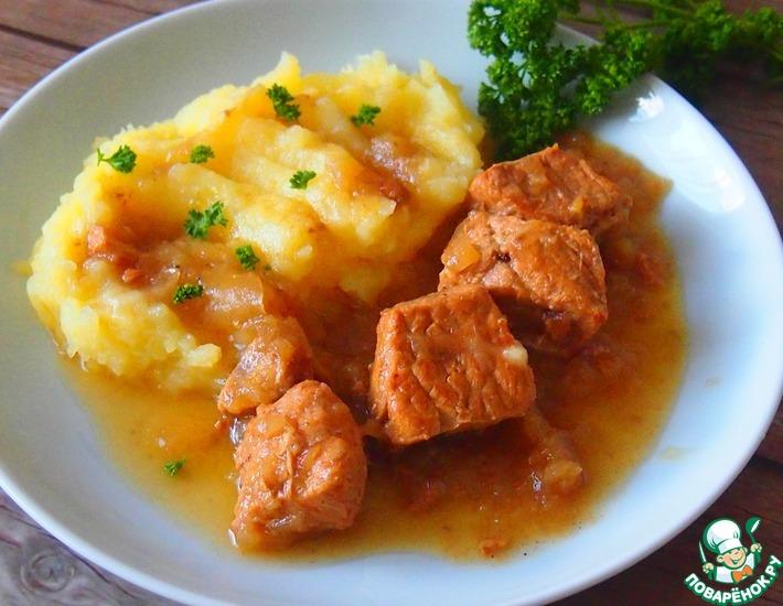 Рецепт: Мясо в луковом соусе