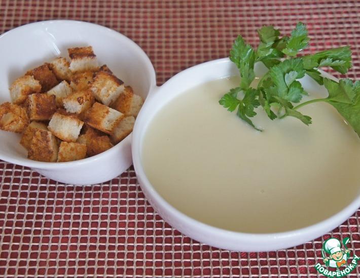 Рецепт: Пряный чесночно-сливочный суп-пюре