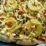 Пицца с ананасом и крабовым мясом