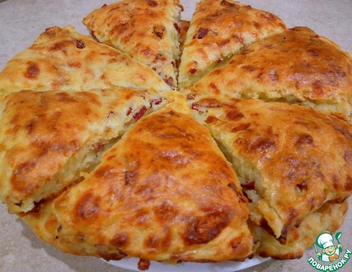 Рецепт: Сконы с сыром и колбасой