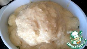 Полить готовым соусом капусту и картофель.