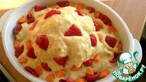 Под соус можно спрятать морковку и паприку. Но я решила украсить так сверху. Или помидорки черри красиво будут смотреться.
