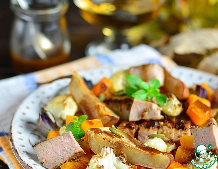 Рецепт: Теплый салат со свининой