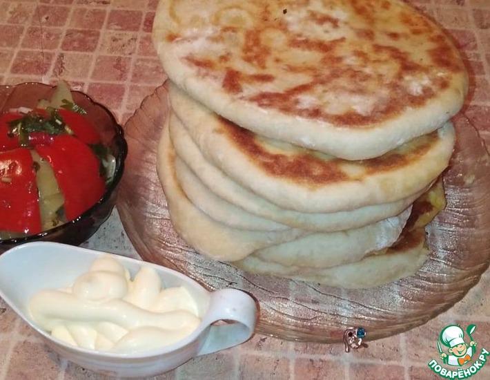 Рецепт: Лепешки с двумя видами сыра