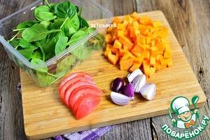 Тыкву порезать не крупными кубиками, морковь и лук - произвольно.