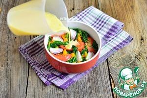 Яйца смешать с молоком, подсолить по вкусу, добавить перец, любимые сушеные травы или специи. Залить содержимое формы.