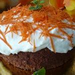 Пряный морковный пирог с кремом