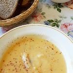 Суп-пюре из корневого сельдерея с томатом