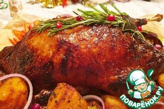 Рецепт: Рождественская утка, фаршированная айвой
