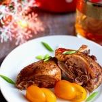 Мясо утки под клюквенным соусом