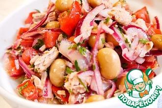 Рецепт: Сочный салат с фасолью и тунцом